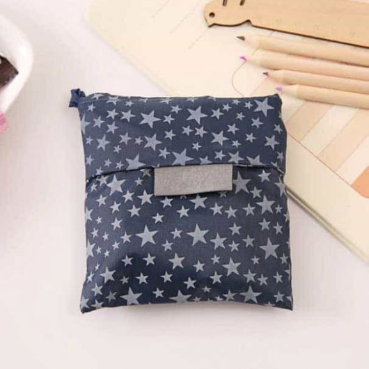 Foldable tote bag with stars