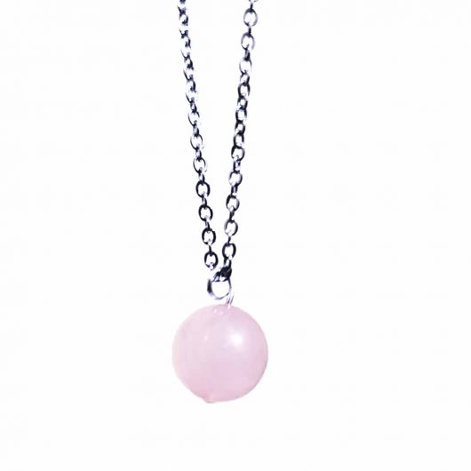 rose quartz on chain